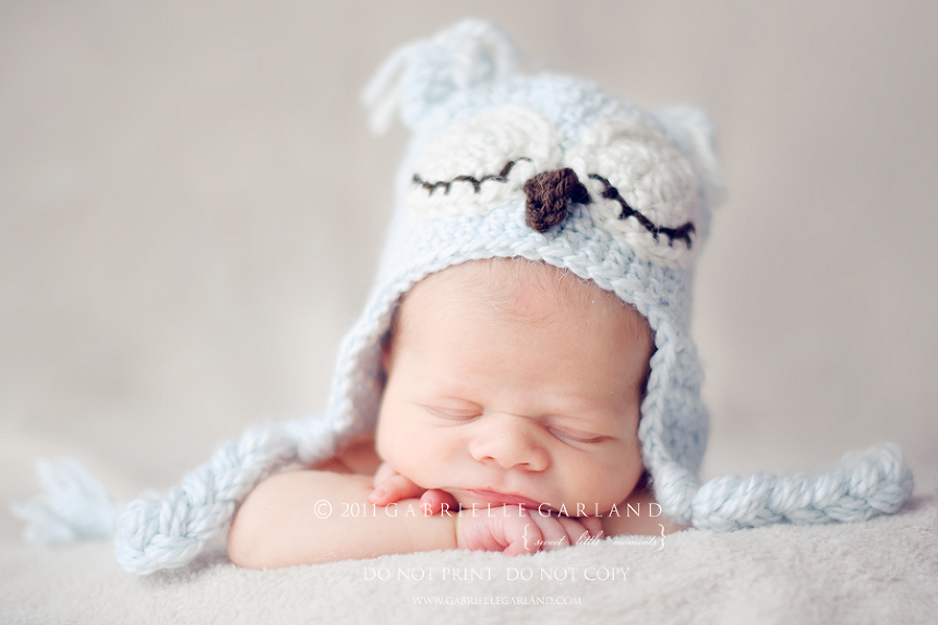 newborn baby owl hat syracuse baby photography