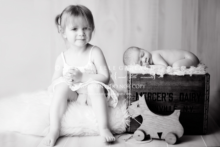 big sister little brother syracuse newborn baby photographer